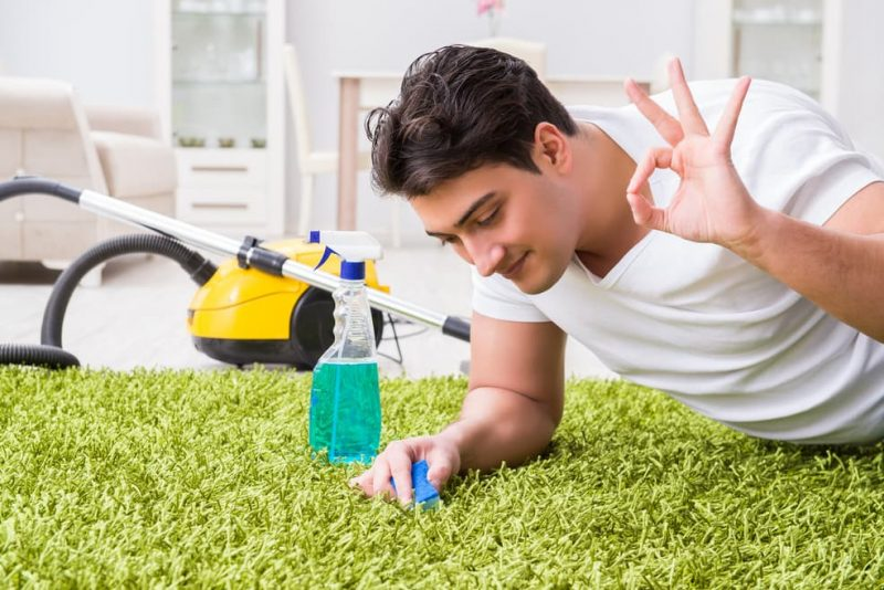 how to clean carpet naturally